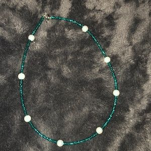 Glass and pearl beaded choker